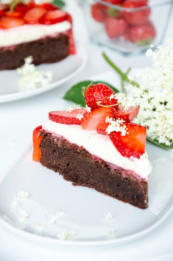 Erdbeer Holunder Schokoladen-Torte-10