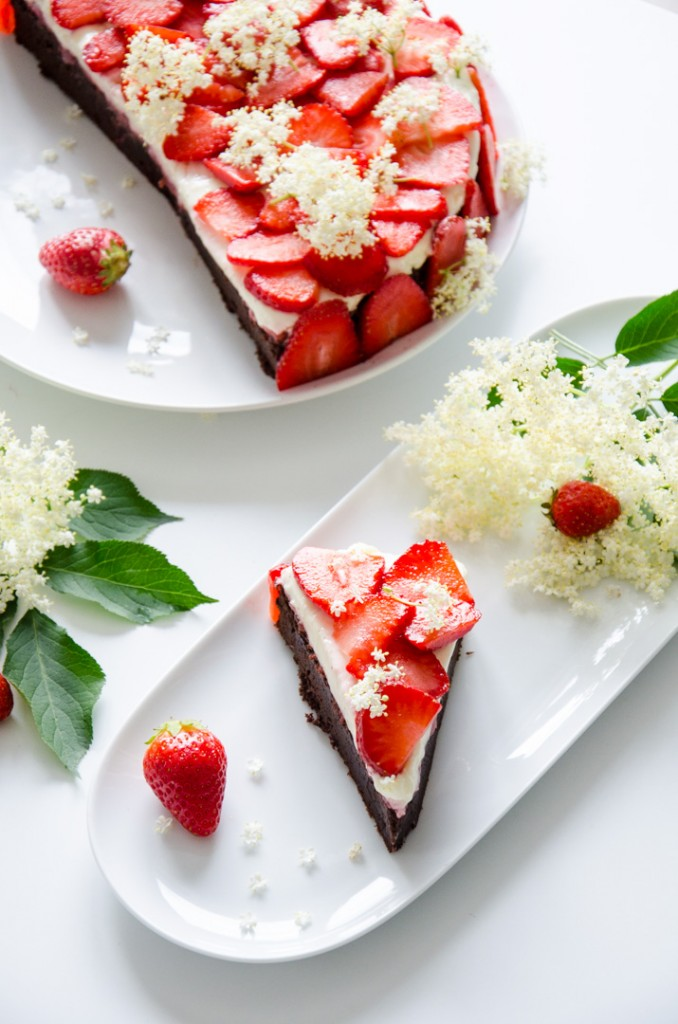 Erdbeer Holunder Schokoladen-Torte-18