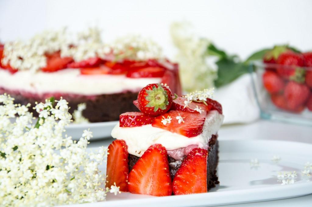 Erdbeer Holunder Schokoladen-Torte-3