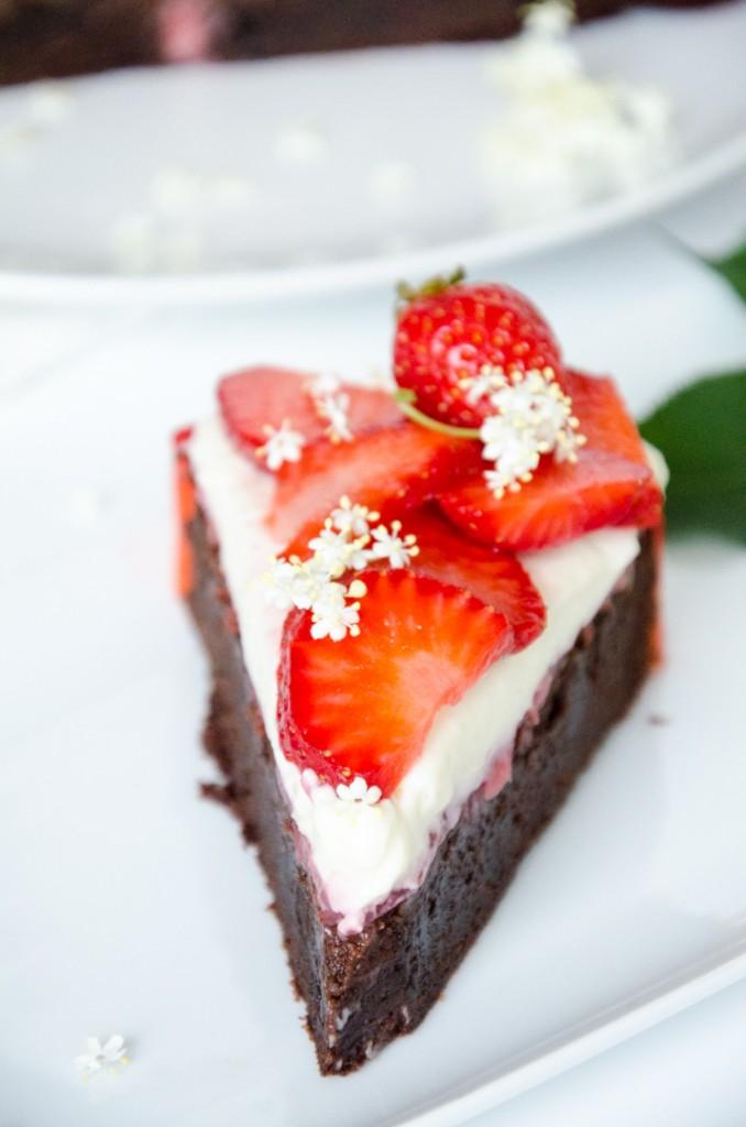 Erdbeer Holunder Schokoladen-Torte-9